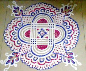 Rangoli: Maakkolam with colors