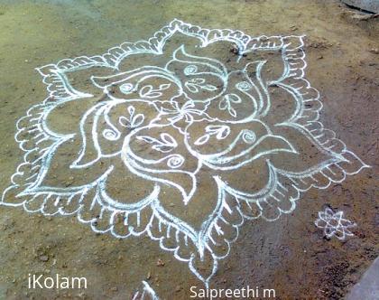 Rangoli: My first kolam in ikolam