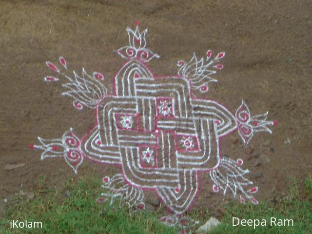 Rangoli: asymmetrical kolam