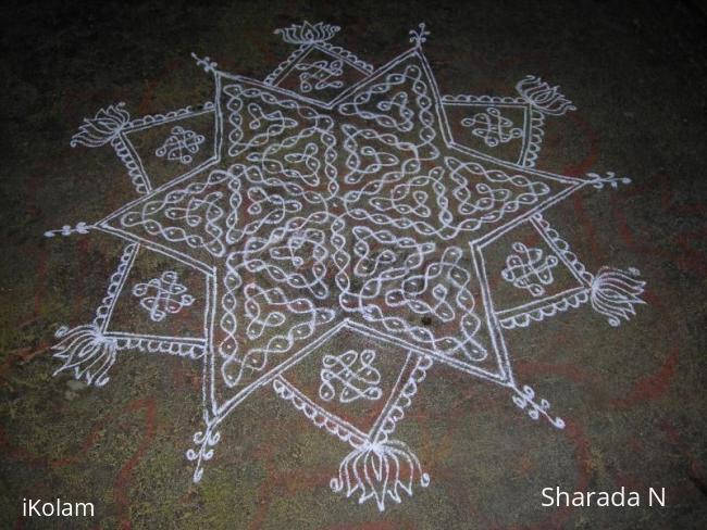 Rangoli: Margazhi sikku kolam