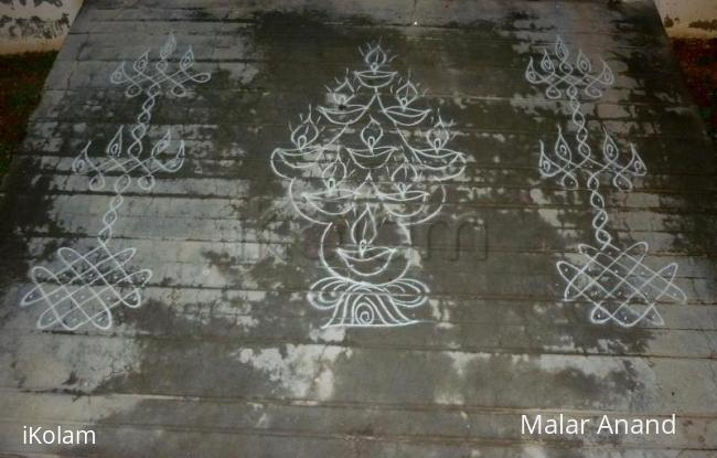Rangoli: Vilakku kolams