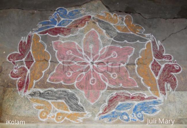 Rangoli: birds kolam