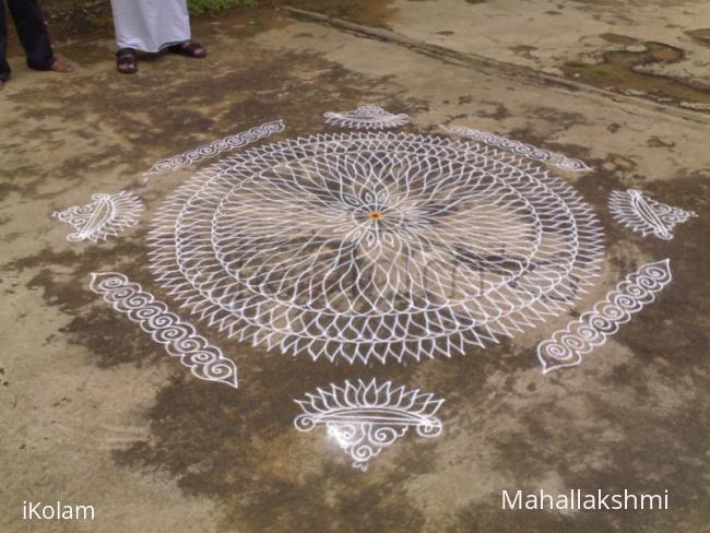 Rangoli: Free hand lotus