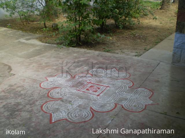 Rangoli: Simple podi kolam
