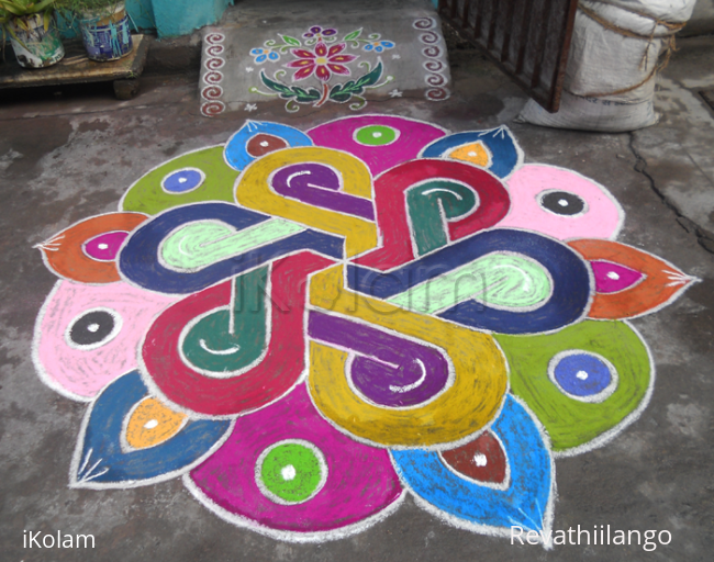 Rangoli: Rangoli for festivals like Holi
