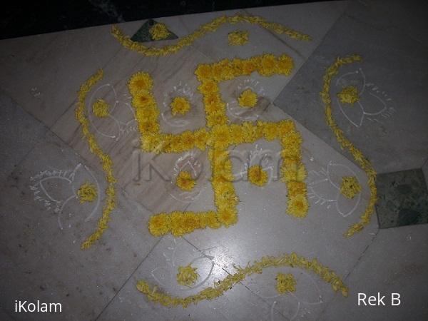 Rangoli: Chamanthi Swastik