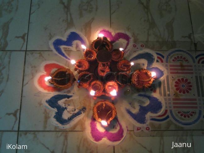 Rangoli: Small Kolam for Karthikai Mondays