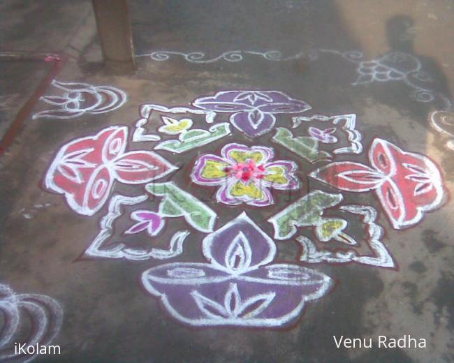 Rangoli: Dotted deepam kolam