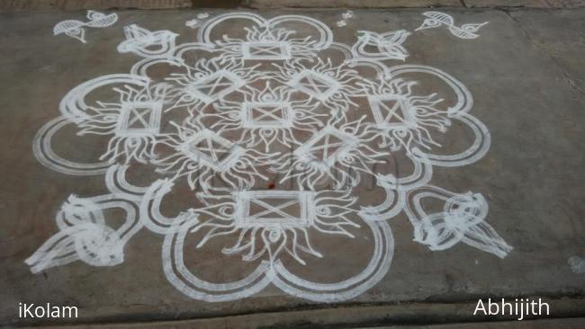 Rangoli: Tuesday padi Kolam