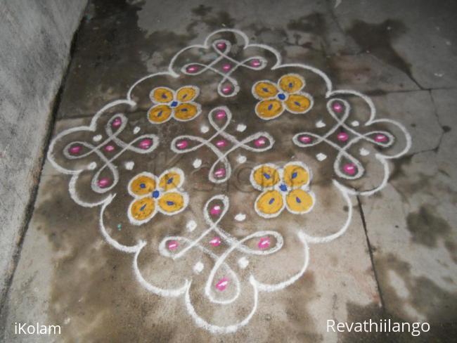 Rangoli: Chikku & flower kolam, Very simple.