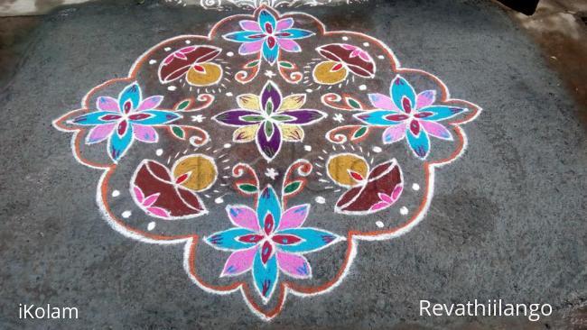 Rangoli: Rev's thai velli deepam kolam.