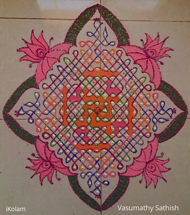 Rangoli: Margazhi Day 13 Kolam - A chikku with 21-1 straight dots