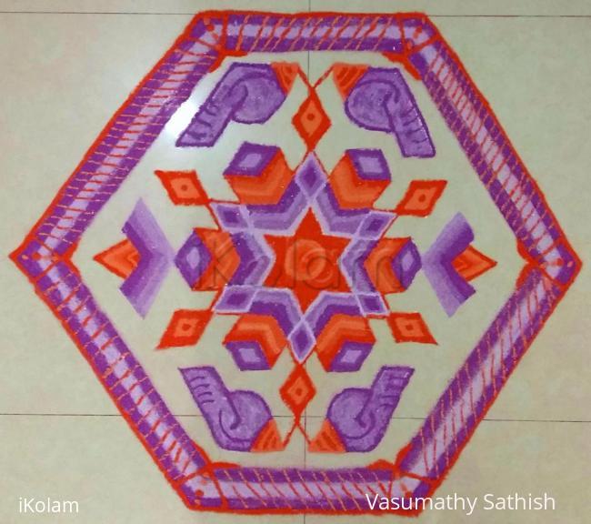 Rangoli: Diwali Rangoli - 13-6 interlaced dots.