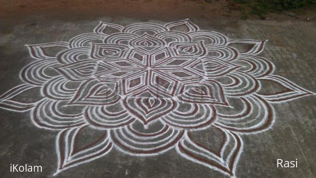 Rangoli: Addi velli special kolam