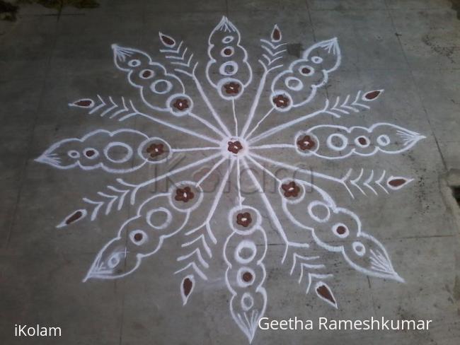Rangoli: Circle designer kolam