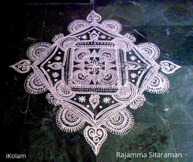 Rangoli: White Angel--copycat kolam